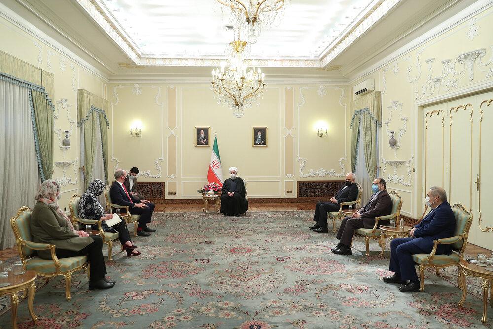 روحانی: فعال شدن برجام منوط به لغو تحریم ها از سوی آمریکا است