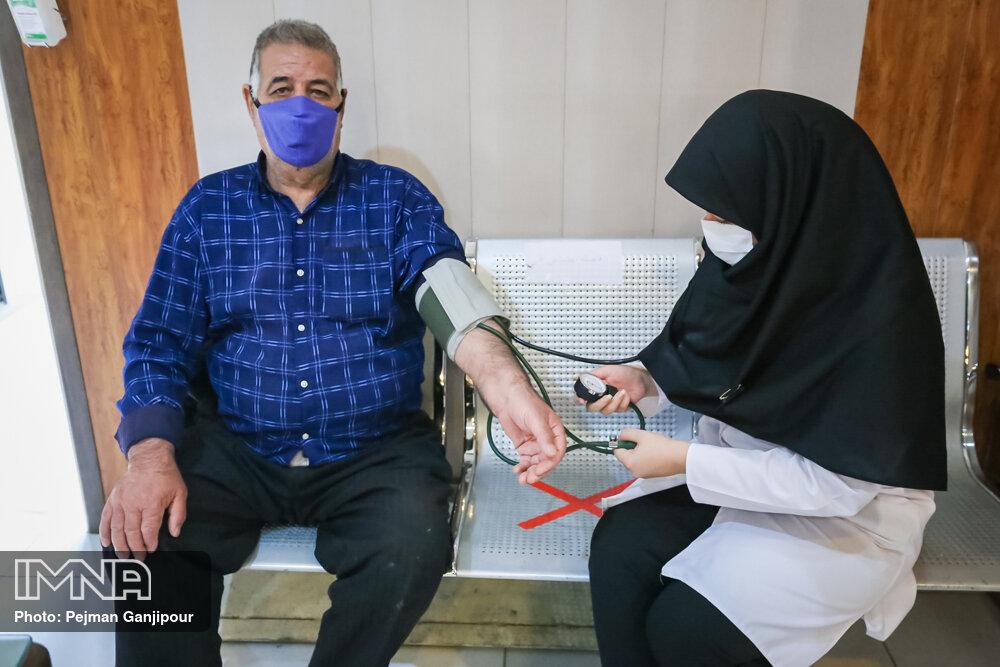 اجرای طرح نذر سلامتی شهرداری سمنان در مناطق محروم