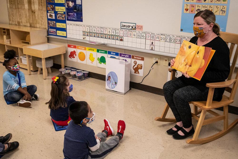 آموزگاران بوستون در اولویت واکسیناسیون قرار میگیرند