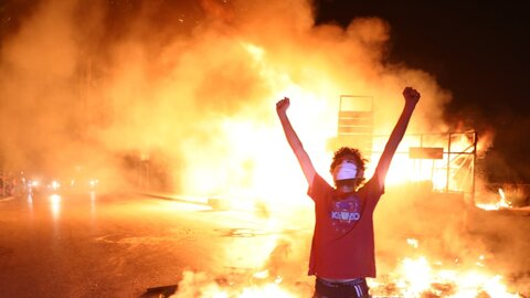 لبنان در آتش اعتراضات