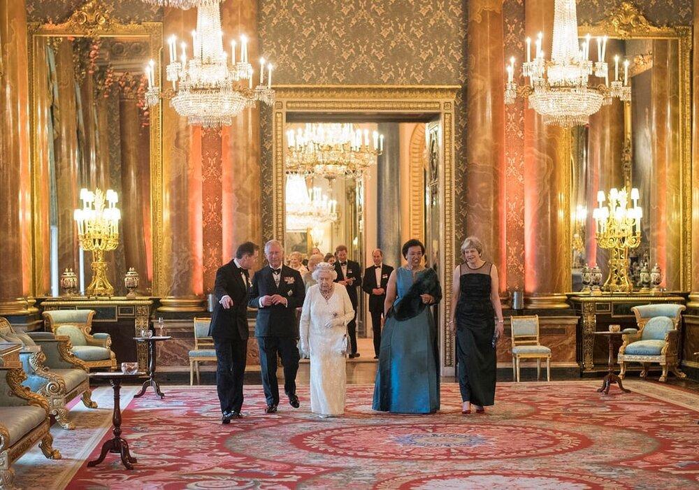 خاندان سلطنتی بریتانیا زیر تیغ افشاگری