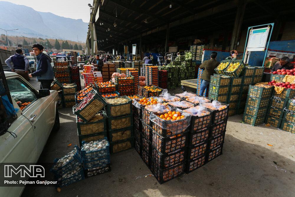 کاهش ۵۰ درصدی قیمت هویج/ قیمت گلابی منطقی نیست