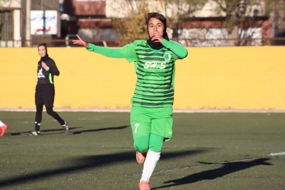 دوست دارم لژیونر شوم نه به هرقیمتی!/ سیرجان قطب بازیکن سازی فوتبال زنان است