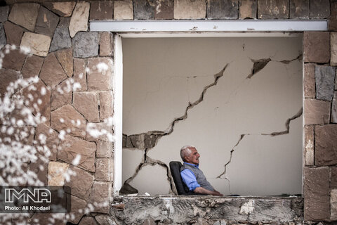 ترک خوردگی شدید و ریزش دیوارهای منازل در روستاهای قوچان