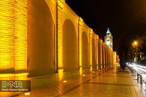 شهر در شب