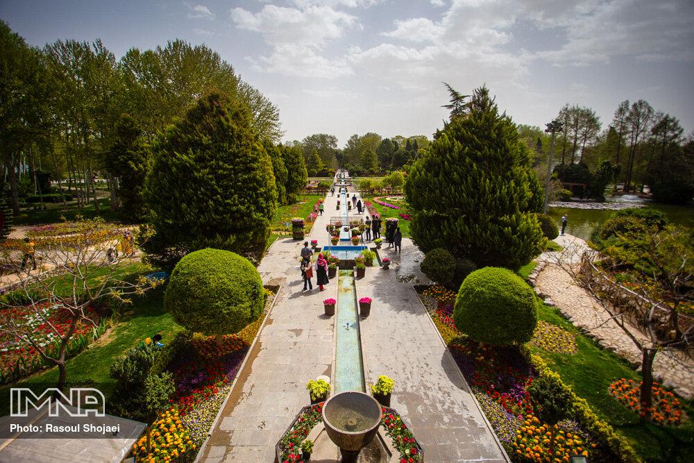 باغ گلهای اصفهان باز است