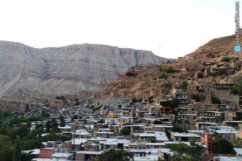 روستاها باید توانمند شده و از مهاجرت معکوس جلوگیری شود