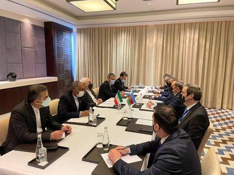 ظریف با وزیر خارجه جمهوری آذربایجان دیدار کرد