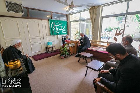 دیدار شهردار اصفهان با ایت الله ناصری
