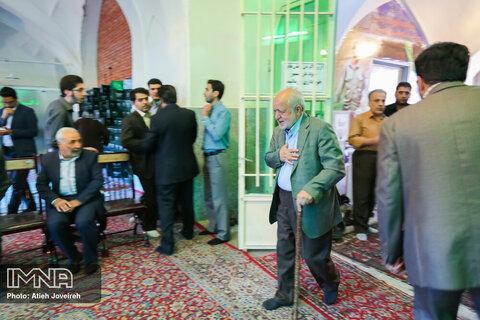 حضور سیدعلی نکویی در سومین سالگرد ارتحال آیت الله طاهری - خرداد 95