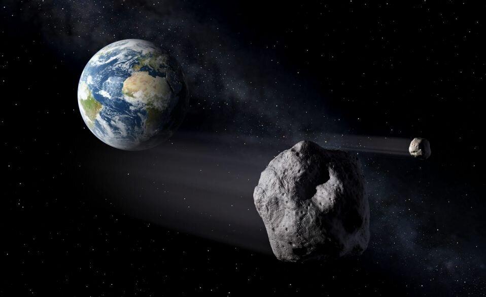 سیارکی به اندازه زمین فوتبال از کنار زمین میگذرد