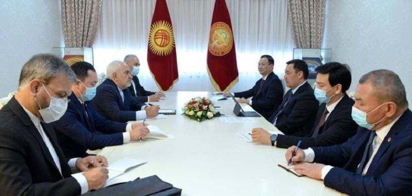 تاکید ظریف و رئیس جمهور قرقیزستان بر لزوم گسترش همکاریهای دوجانبه