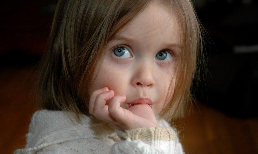 چگونه میتوان عادت مکیدن انگشت را در کودکان  ترک داد؟