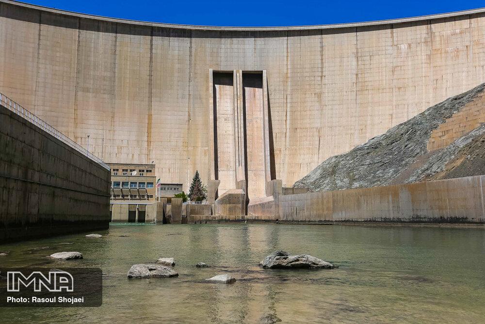 ذخیره آب سد زایندهرود به ۴۱۳ میلیون متر مکعب رسید