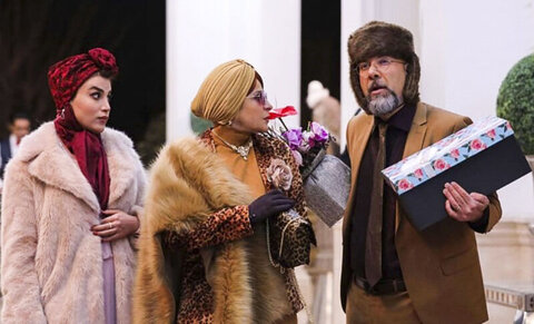 اعتراض دبیر کارگروه مد و لباس به پوشش بازیگران سریال «دراکولا»