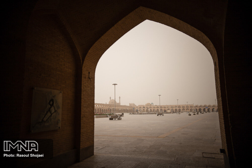 خیزش گرد و غبار در اصفهان