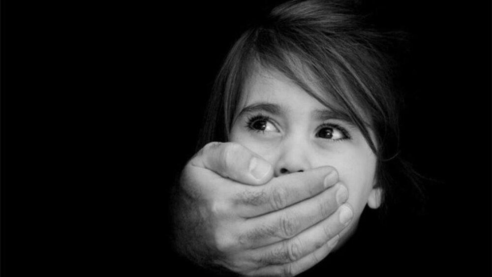 یک کودک دیگر قربانی خشونت شد!