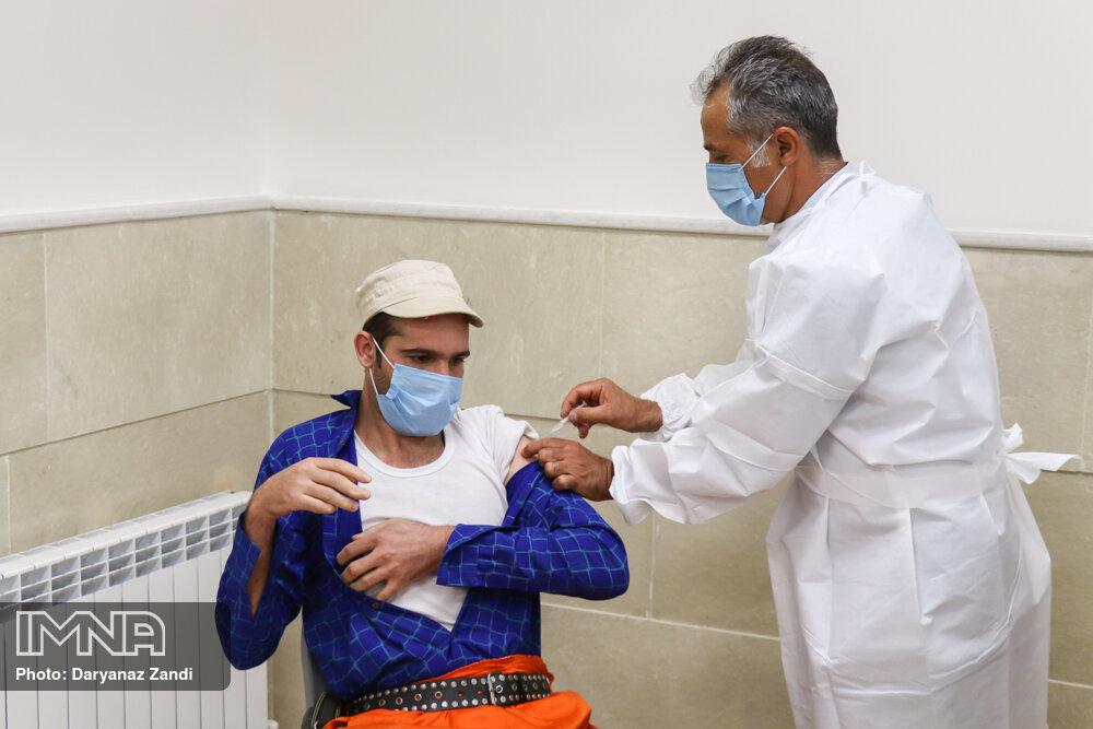 پاکبانان فریدونشهری واکسن کرونا دریافت کردند