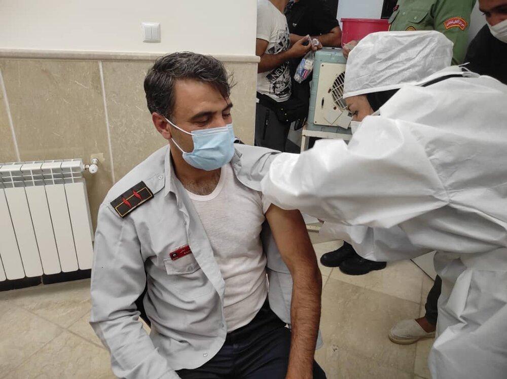 اتمام واکسیناسیون آتشنشانان اصفهان/۷۰۰ نفر واکسینه شدند