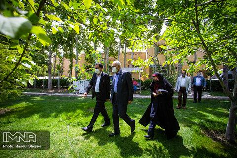 حضور شهردار اصفهان در برنامه تلویزیونی «زنده رود»
