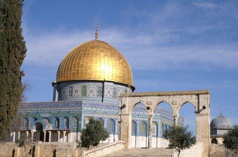حمله نظامیان رژیم صهیونیستی به نمازگزاران فلسطینی در قدس اشغالی