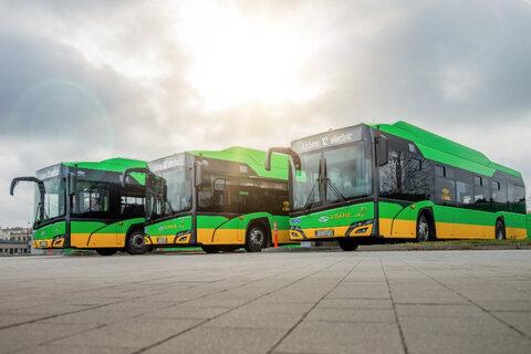 رونمایی  از ۱۵ دستگاه اتوبوس جدید در کرج