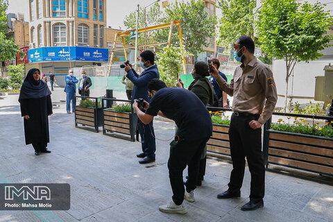 نصب مجسمه شیخ بهایی در چهارباغ