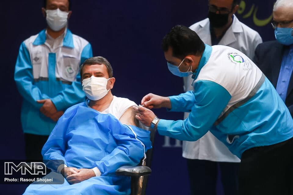 ۴ واکسن در چرخه تزریق قرار گرفته است/ واکسیناسیون با واکسن ایرانی از شهریورماه