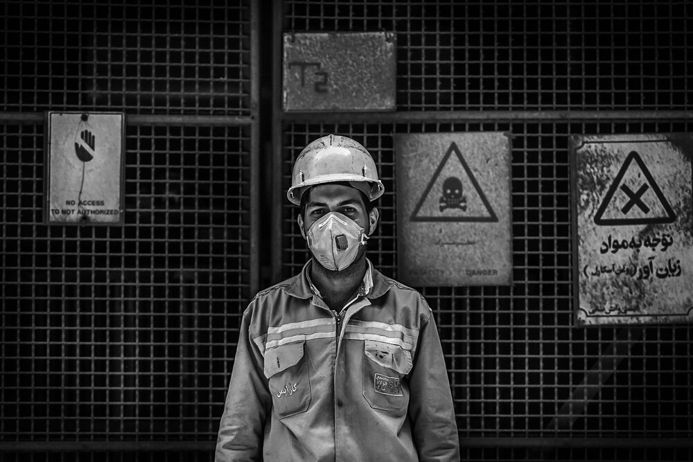 کارگران در دو راهی نان و بیماری