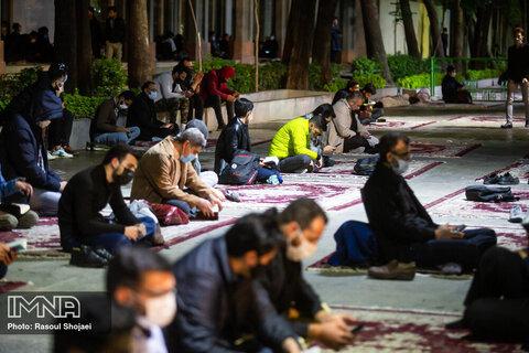 مراسم احیای شب بیست و یکم ماه رمضان در چهارباغ اصفهان