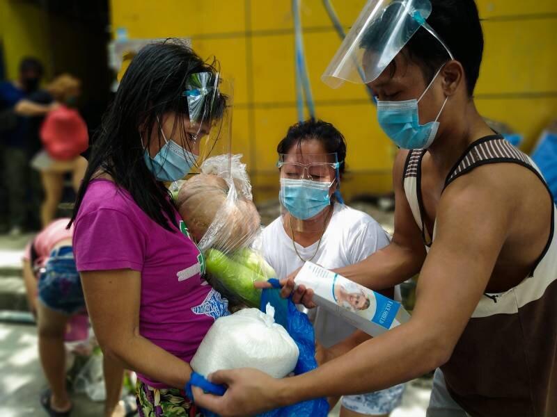 تبادل ضایعات با مواد غذایی در فیلیپین