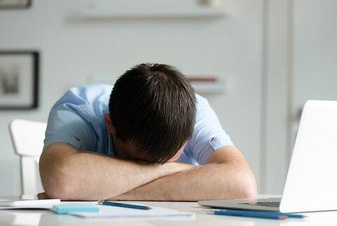 راههای مقابله با خستگی و خوابآلودگی چیست؟