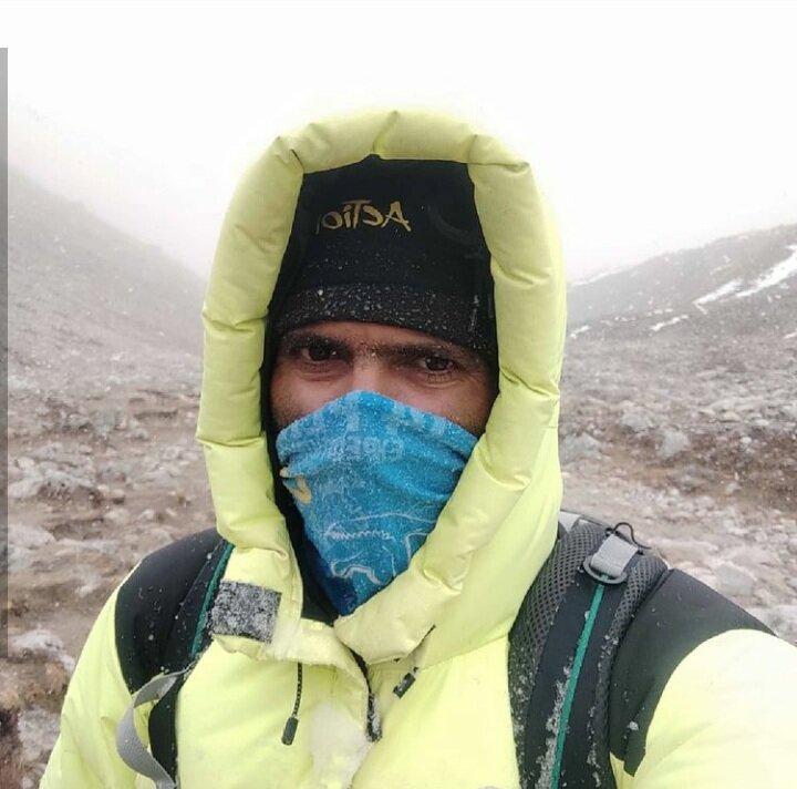 کوهنورد اصفهانی اورست را فتح کرد