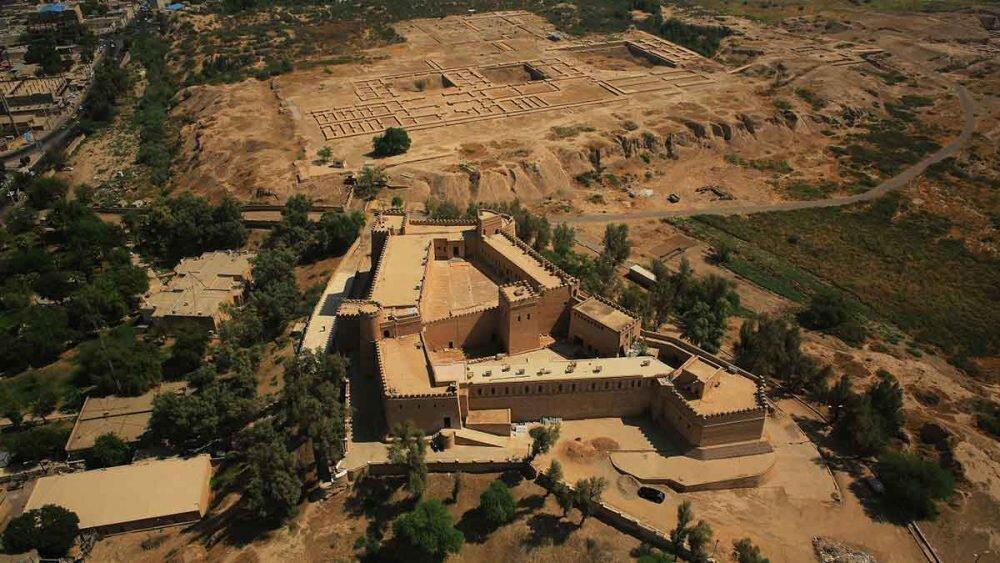 کاخ آپادانای شوش قصر زمستانی شاهان هخامنشی