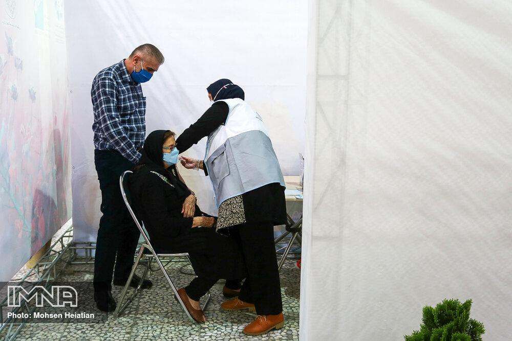 آغاز واکسیناسیون ۷۵ سالهها از امروز/درخواست ستاد کرونا از کاندیداهای انتخابات