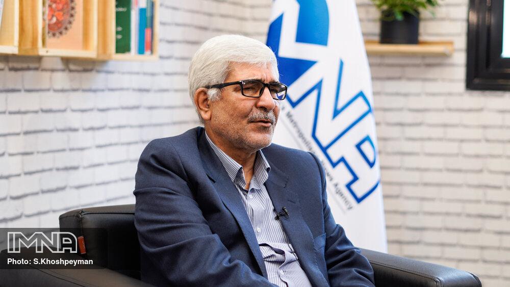 جریان اصلاح طلبی میتواند کشور را نجات دهد/ شهرداری اصفهان نمره قبولی میگیرد