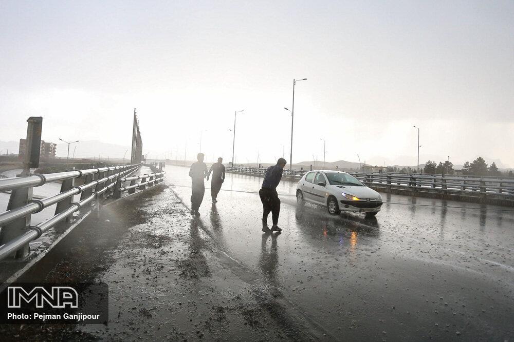 رگبار باران در بیش از ۱۰ استان کشور