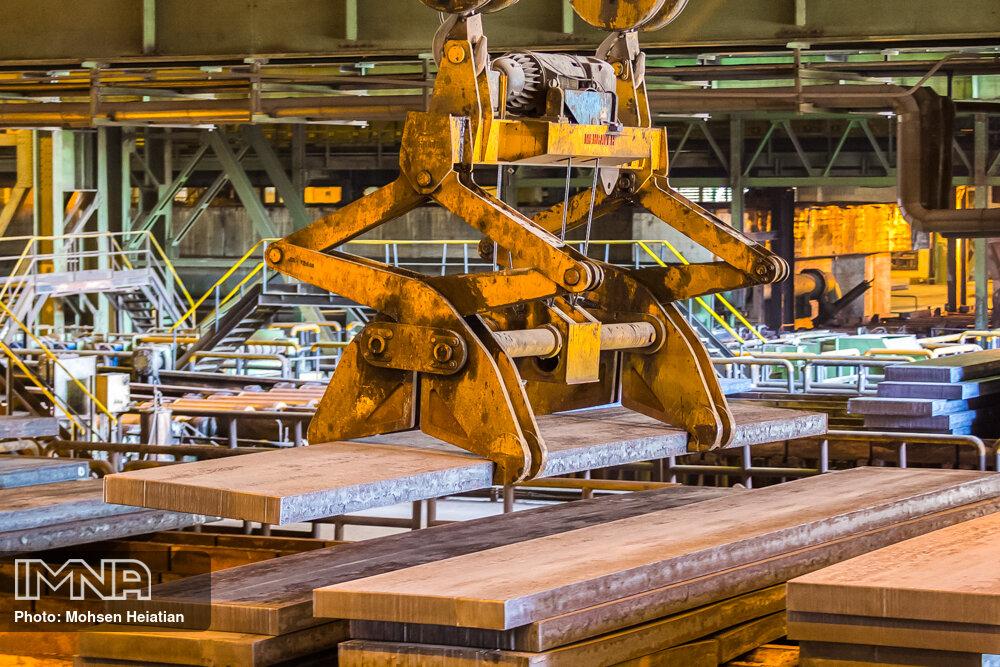 فولادمبارکه با تولید محصول باکیفیت از واردات ورق به کشور جلوگیری کرد