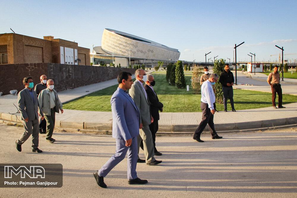 بازدید معاون دیپلماسی اقتصادی وزیر امور خارجه از سالن اجلاس