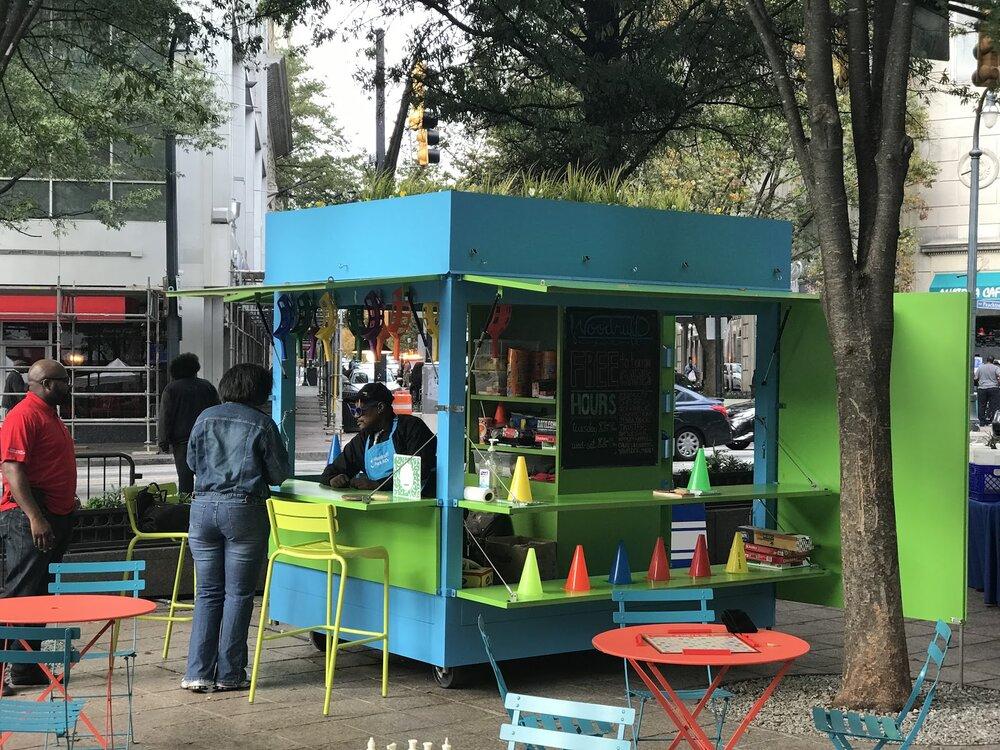 حل مشکلات افراد بی خانمان در فضاهای عمومی طی کرونا
