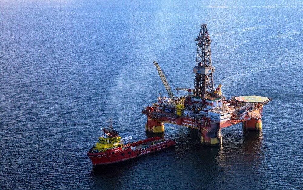 محرومیت ایران از صادرات ۲ میلیارد بشکه نفت/آمادگی کامل فنی برای بازگشت به بازار نفت
