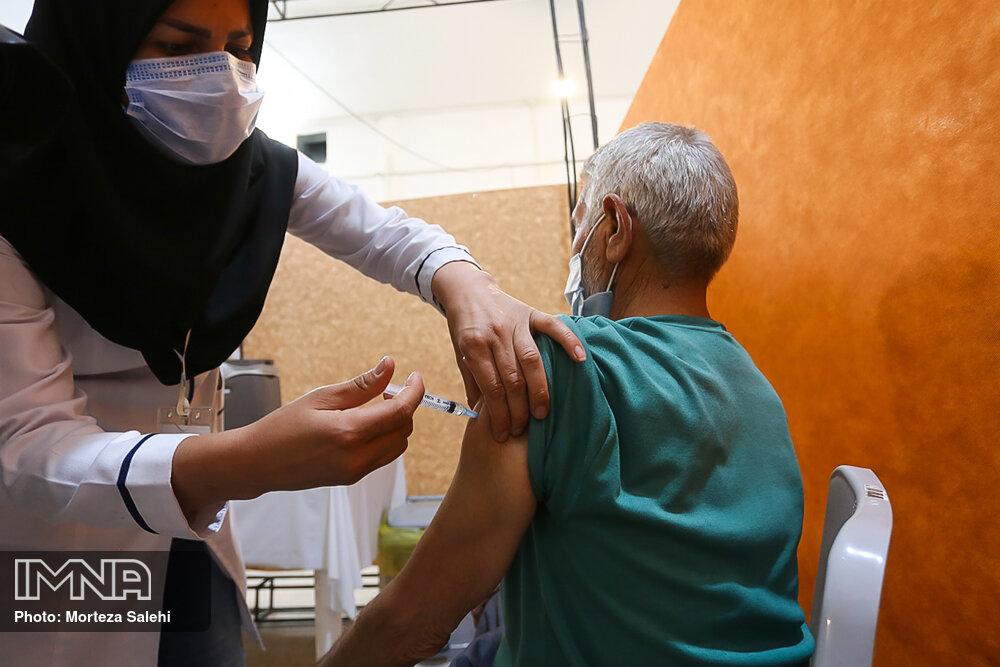 واکسیناسیون حدود ۸ هزار نفر از رانندگان تاکسی شهر اصفهان