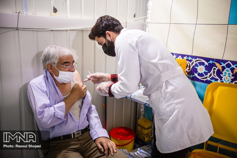 ۱۱۰هزار اصفهانی واکسینه شدهاند/ دریافت واکسنهای جدید تا پایان هفته