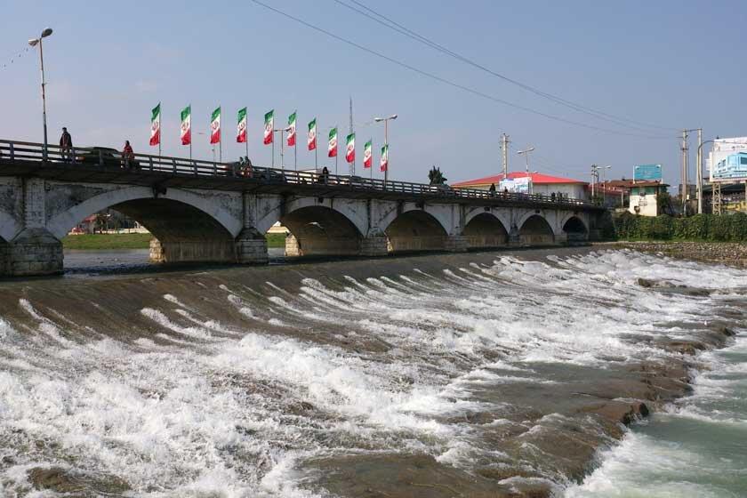 ساخت و نصب المان در حاشیه پل تاریخی چشمه کیله تنکابن 