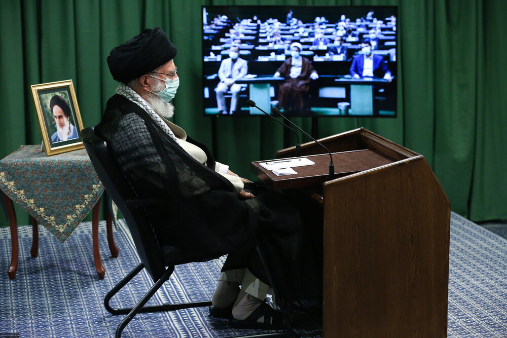 Leader backs up Constitutional Council, urges Iranians to participate in June 18 election