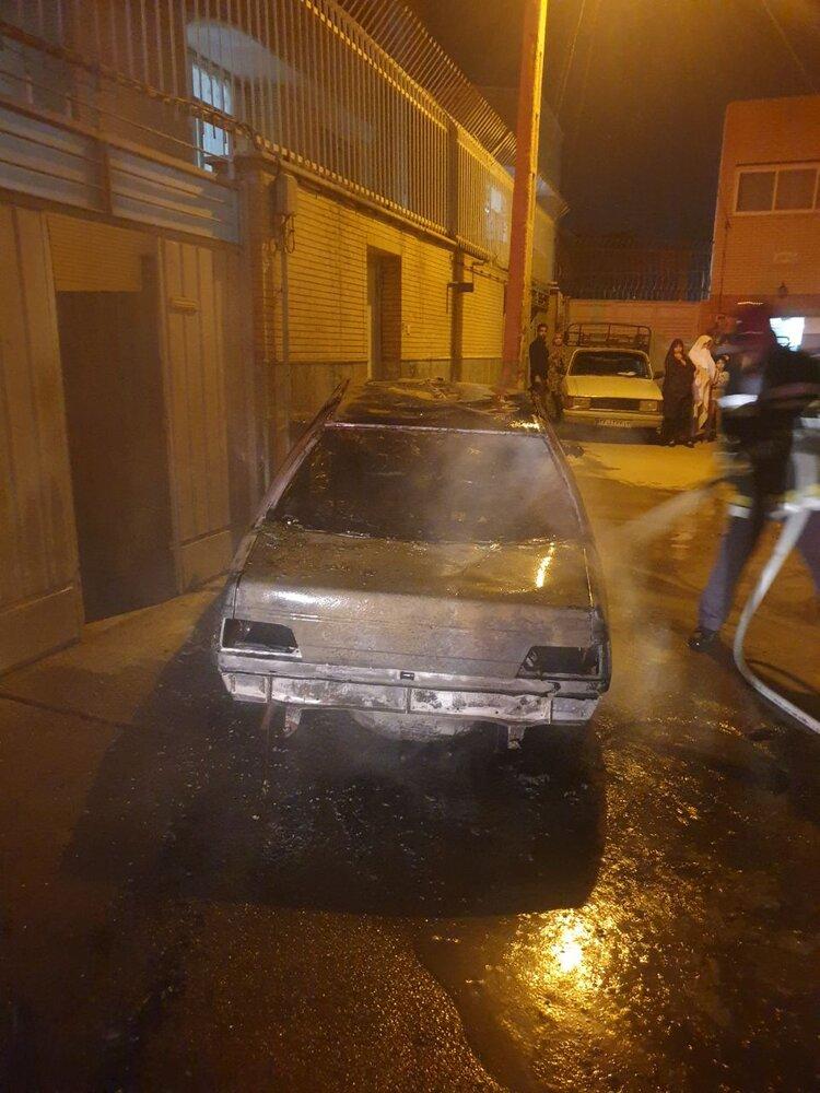"""حریق خودرو در """"کردآباد"""" اصفهان+ عکس"""