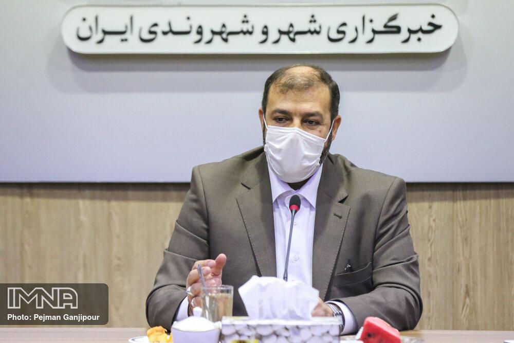 بدون تعارف با فساد در شهرداری مبارزه میکنیم/کارمندان دستگیر شده سوابق بالایی داشتند