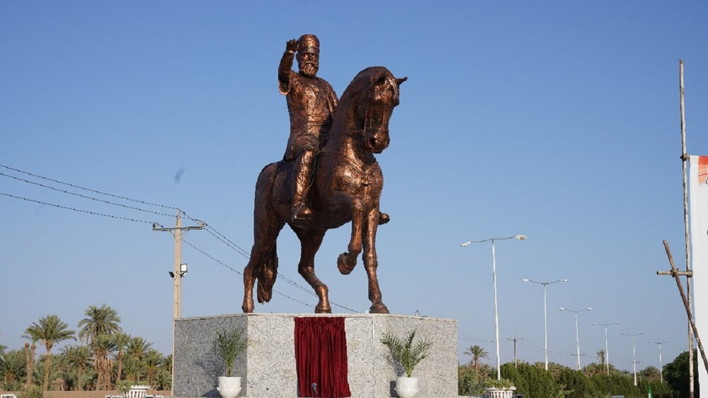 پرده برداری از مجسمه محمدتقی خان بافقی