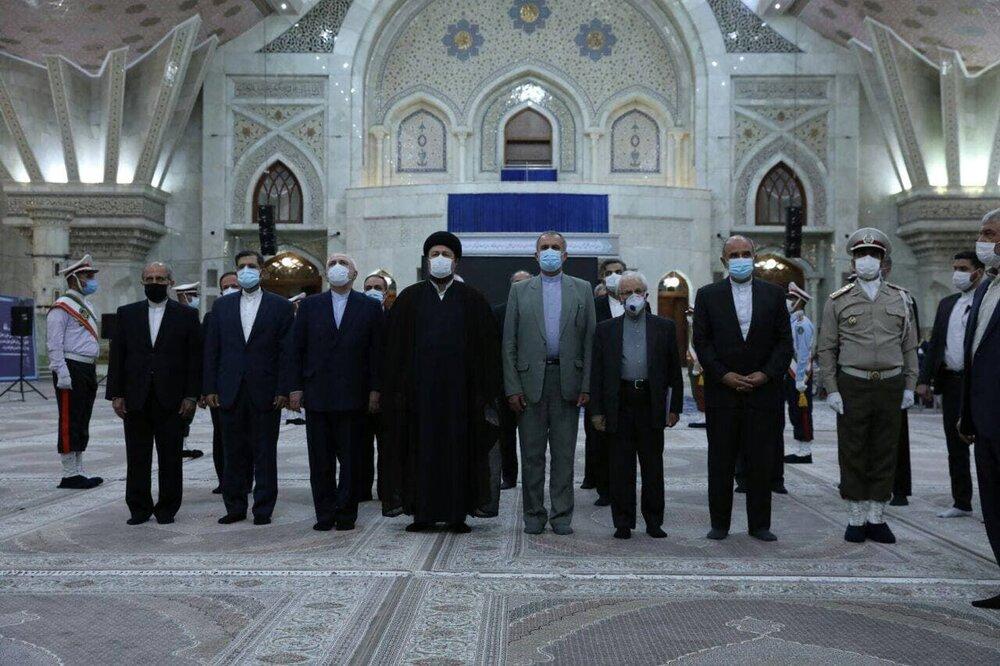 ظریف و مدیران وزارت امورخارجه با آرمانهای امام خمینی (ره) تجدید بیعت کردند