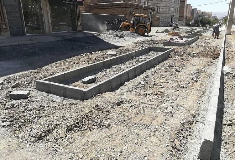 آغاز عملیات احداث بیش از ۱۰ هزار مترمربع فضای سبز در شهرک بهاران سنندج